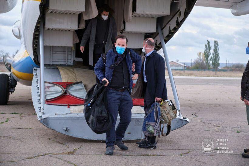 Главы дипмиссий западных стран посетили Донбасс