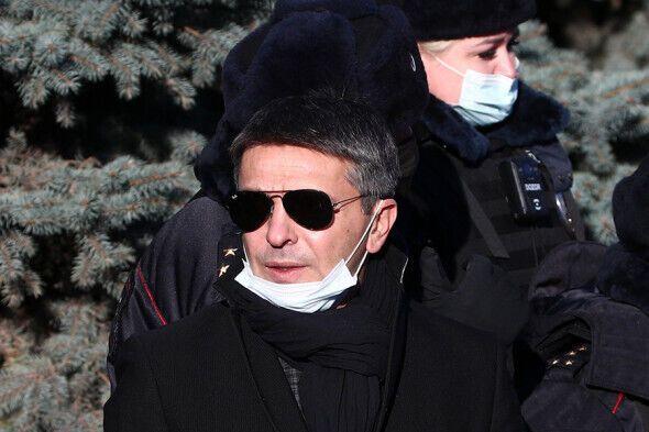 Леонид Барац на похоронах Жванецкого