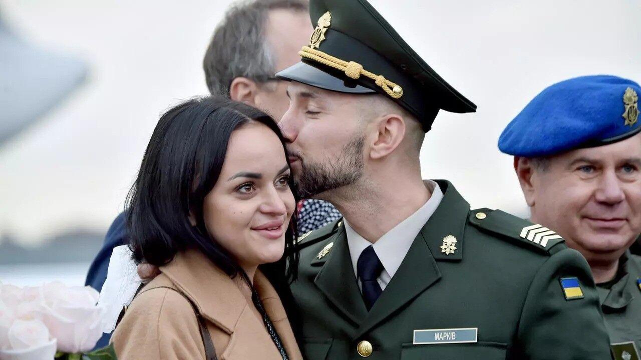 Виталий Маркив с женой Дианой, которая ждала мужа 3 года