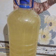 Из-за проблем с водоснабжением местным жителям подают воду низкого качества