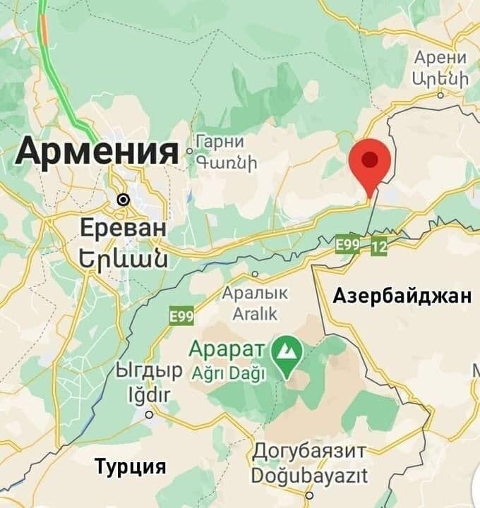 Вертолет был сбит на границе Армении и Азербайджана.