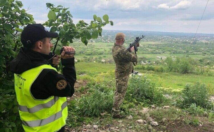 Следственный эксперимент, проведенный украинскими специалистами, доказал: Маркив не мог видеть людей на переезде, а стрельбу начали сепаратисты