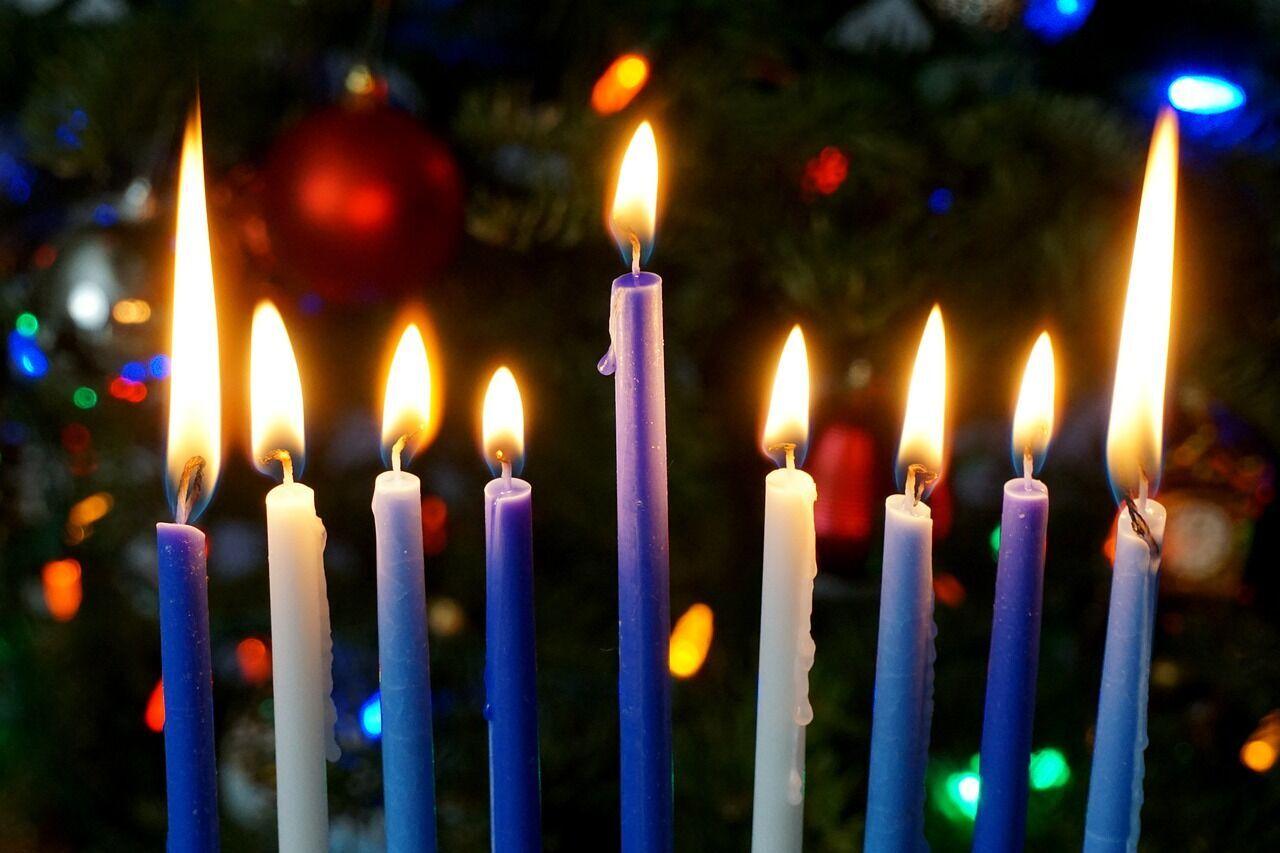 Главным символом Хануки являются свечи