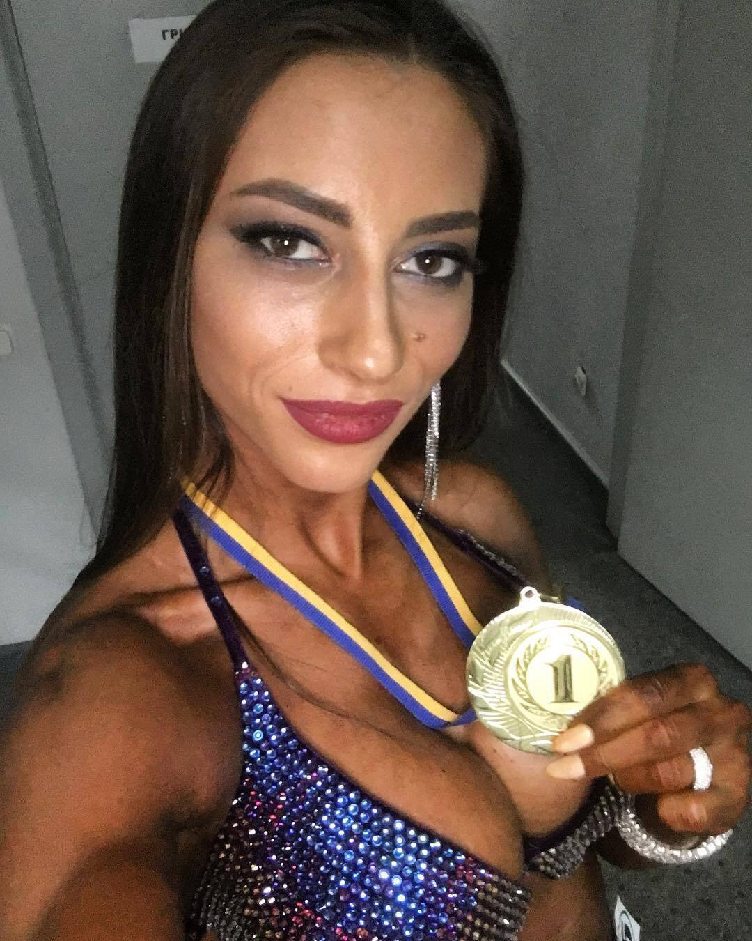 Юлія Висоцька з медаллю за перше місце