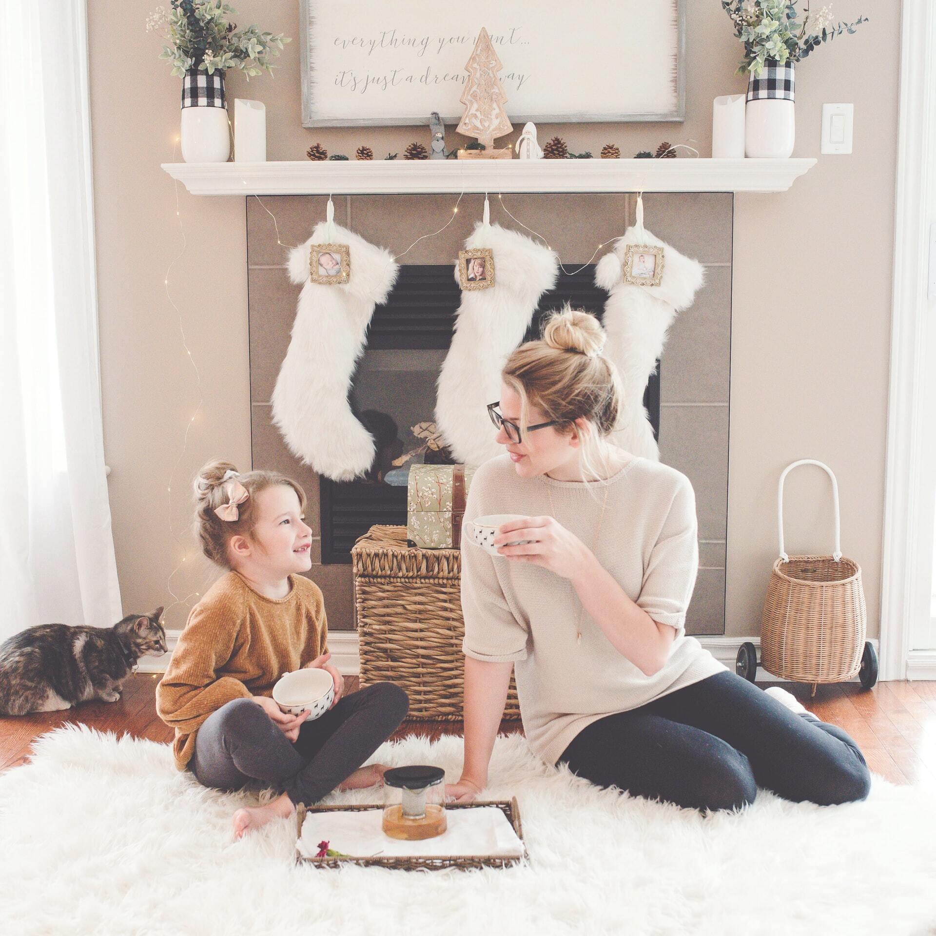 Подарунки, які діти знаходять під своєю подушкою, – одна з головних традицій Дня Миколая