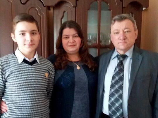 Галина та Валентин Степченки із сином