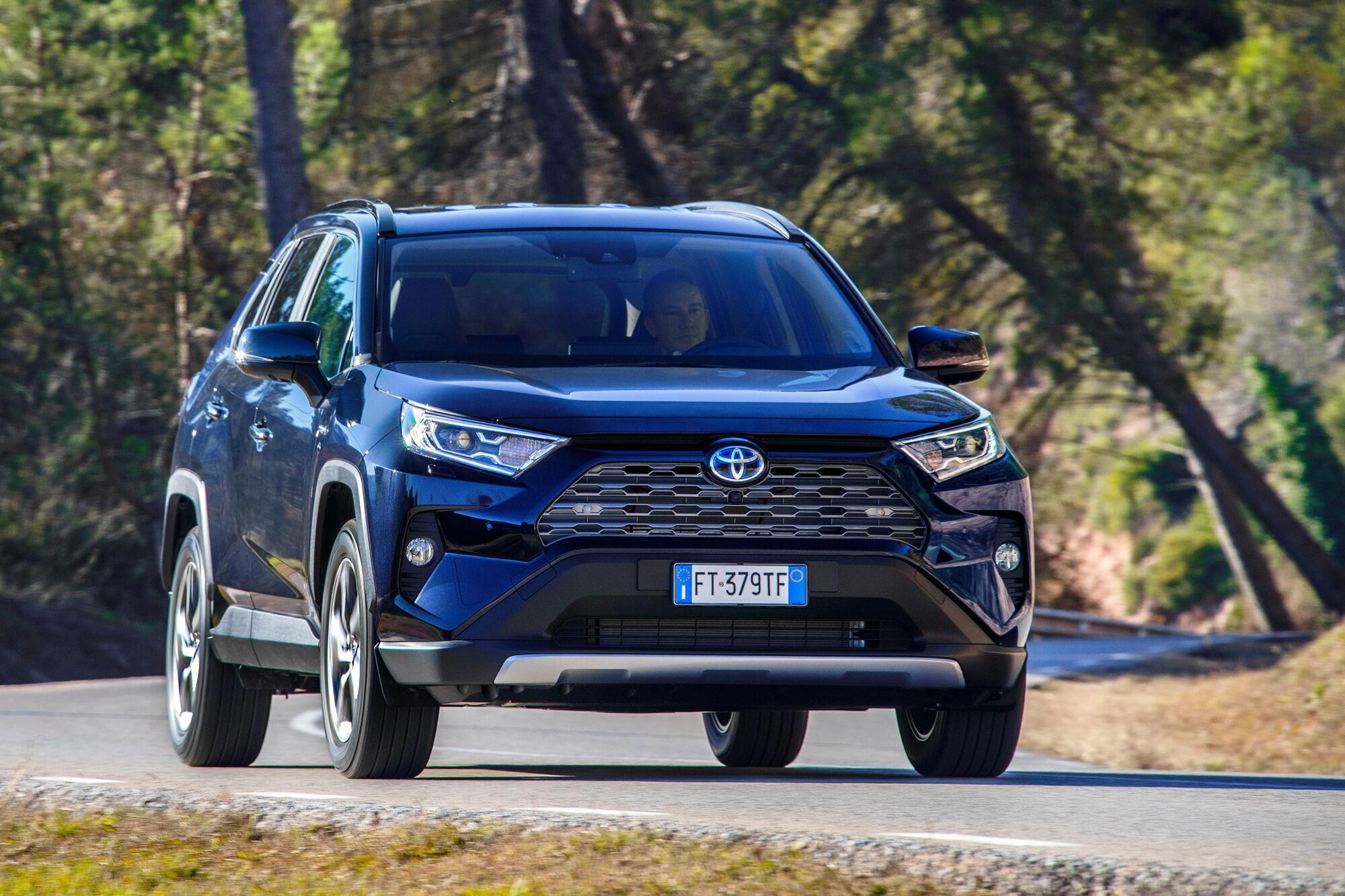 Toyota RAV4 стала бестселлером ноября 2020 года в Украине