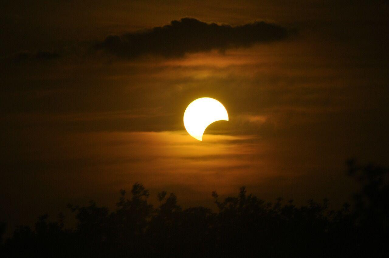 Затемнення 14 грудня 2020 року входить до ланцюжка 142 Саросу
