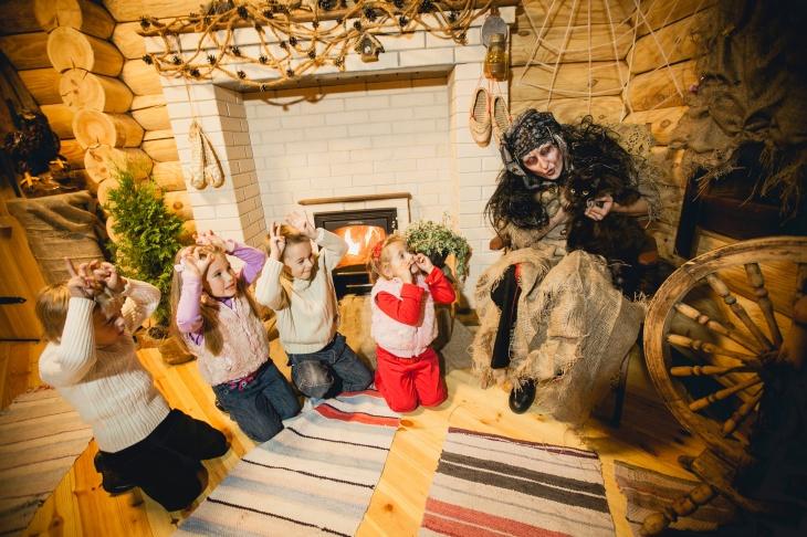 """З 1 грудня по 31 січня Дід Мороз чекає в гості в """"Казковому подвір'ї"""" в Харкові"""