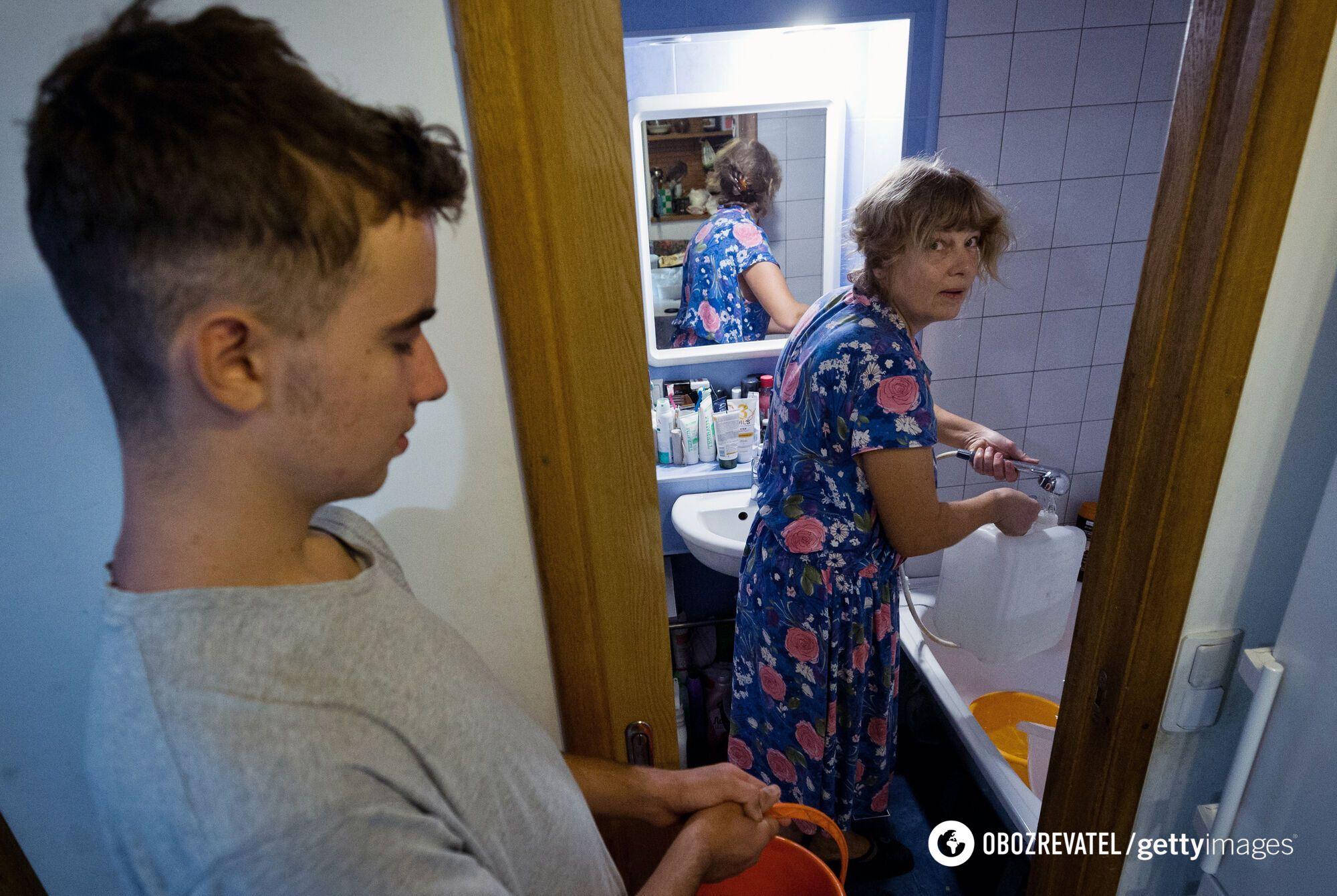 Кримчанам доводиться запасатися водою