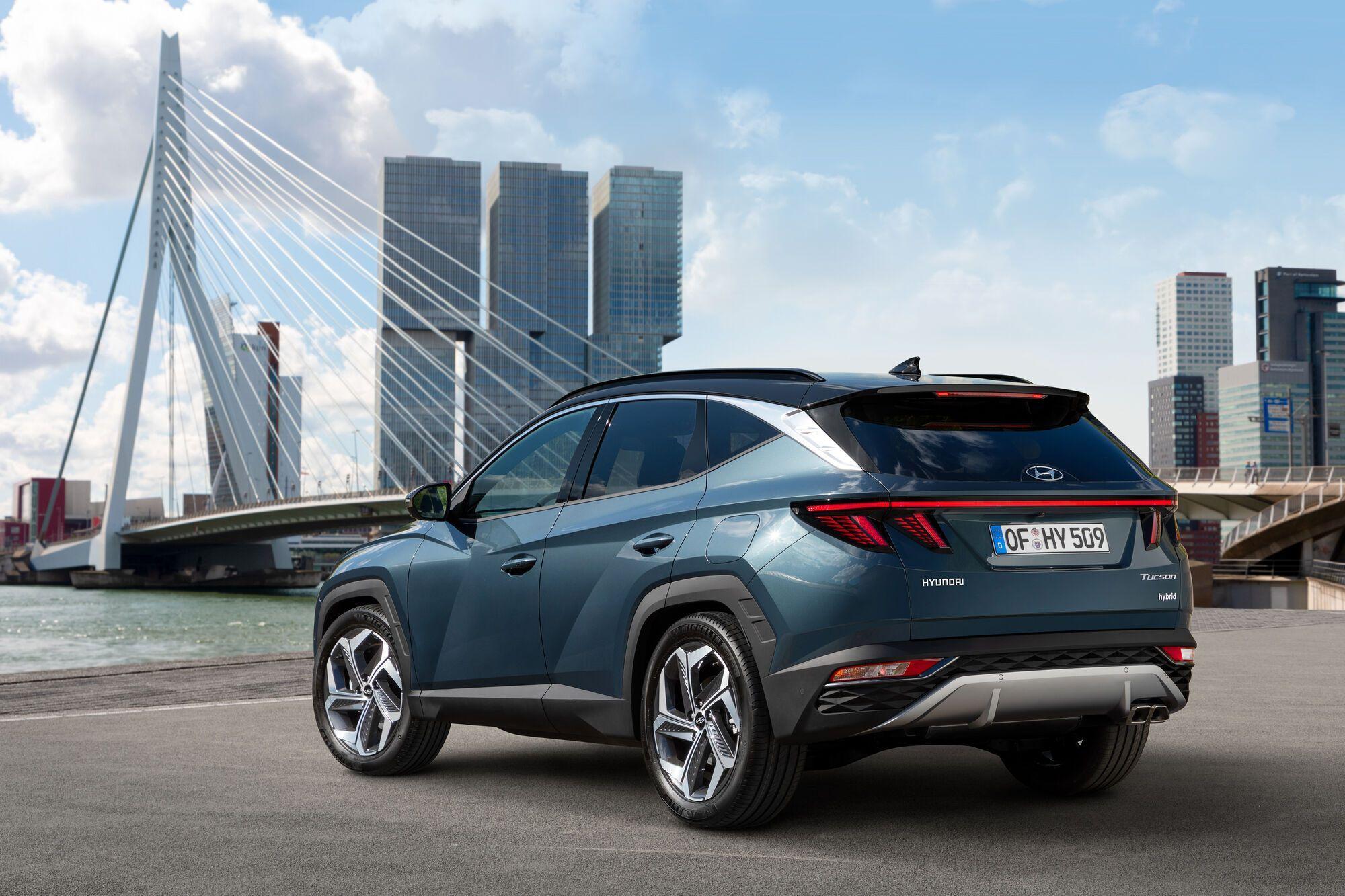 Новый Hyundai Tucson имеет в своем арсенале разнообразные электронные помощники водителя, которые позволят сделать поездку комфортной и безопасной