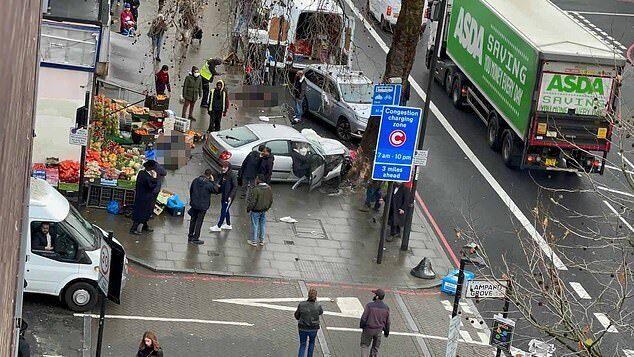 Журналісти повідомили про декількох постраждалих