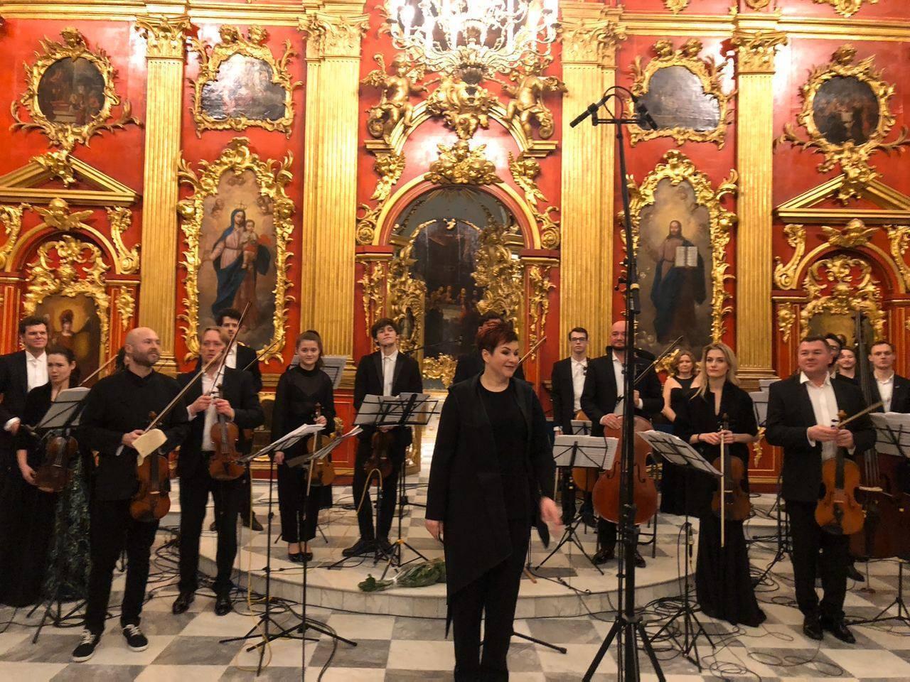 На открытии церкви присутствовал симфонический оркестр