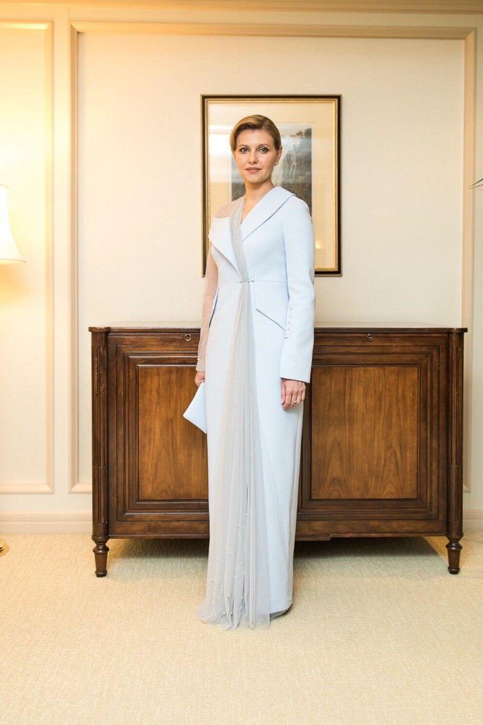 Елена Зеленская в платье.