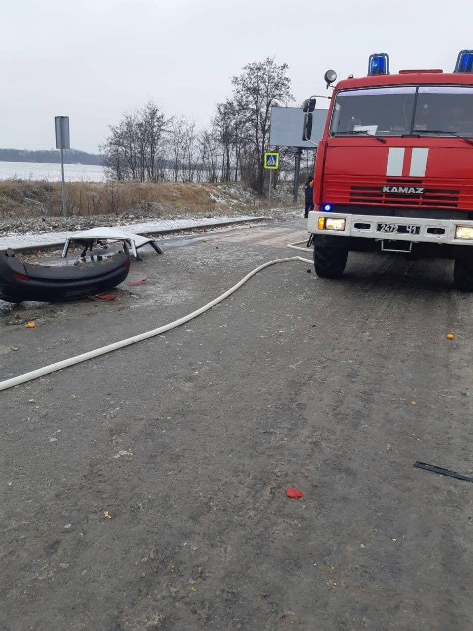 Под Киевом столкнулись две легковушки