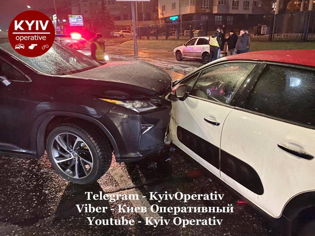 Лобовое ДТП в Киеве.