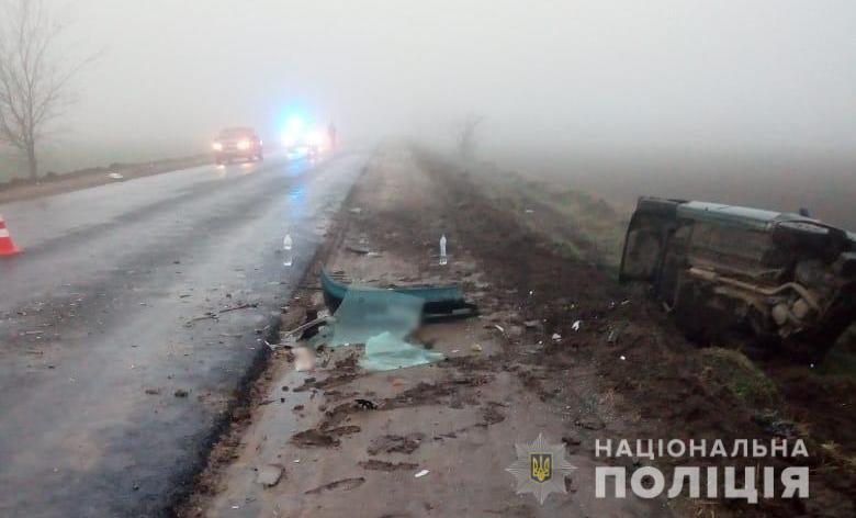 Daewoo от сильного удара слетел в кювет