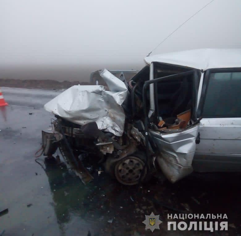 В аварии пострадали семь человек