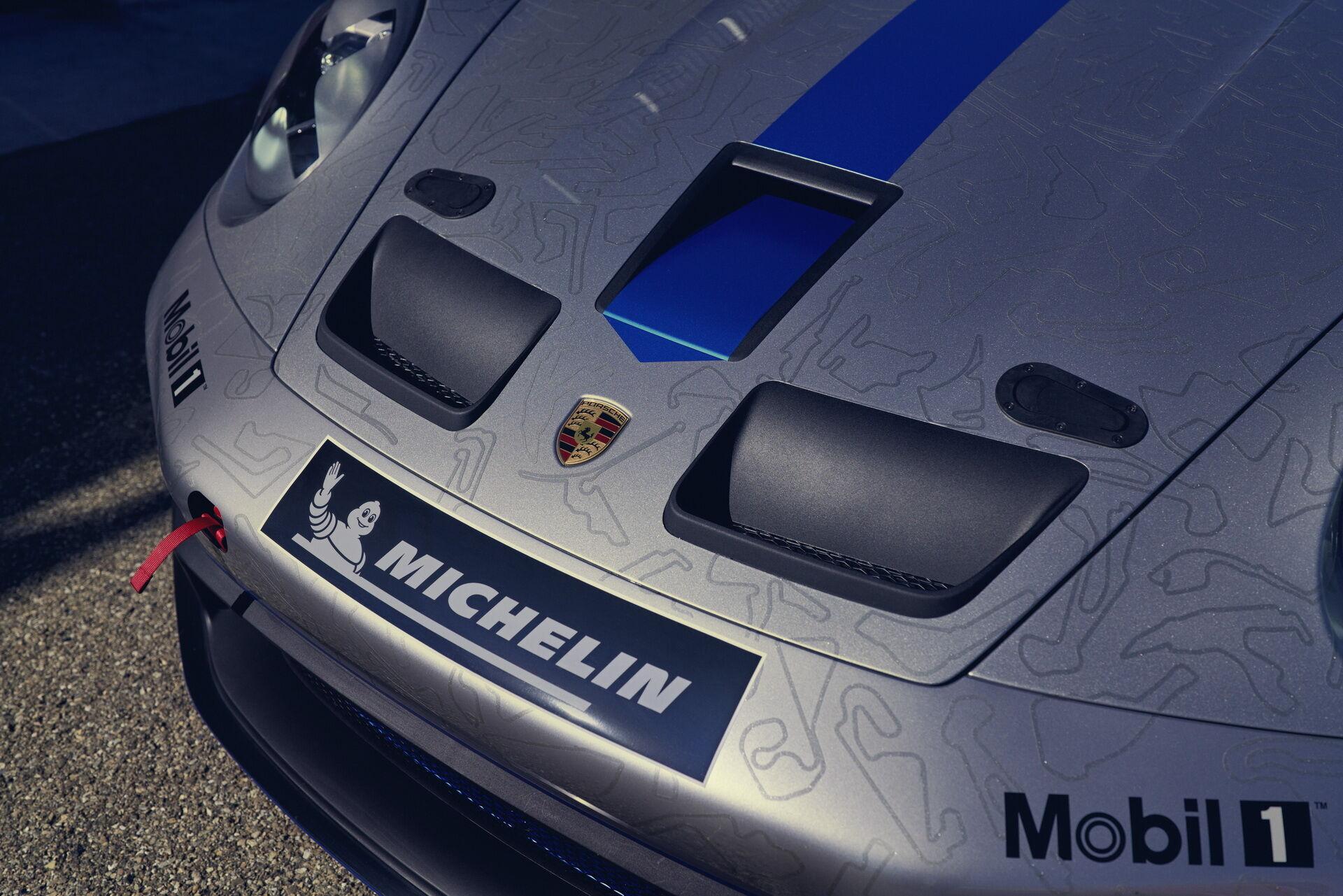 Porsche 911 GT3 Cup отримав новий передній бампер зі сплітером