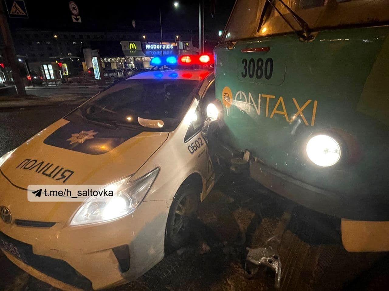 Аварія сталася під час розвороту поліції.
