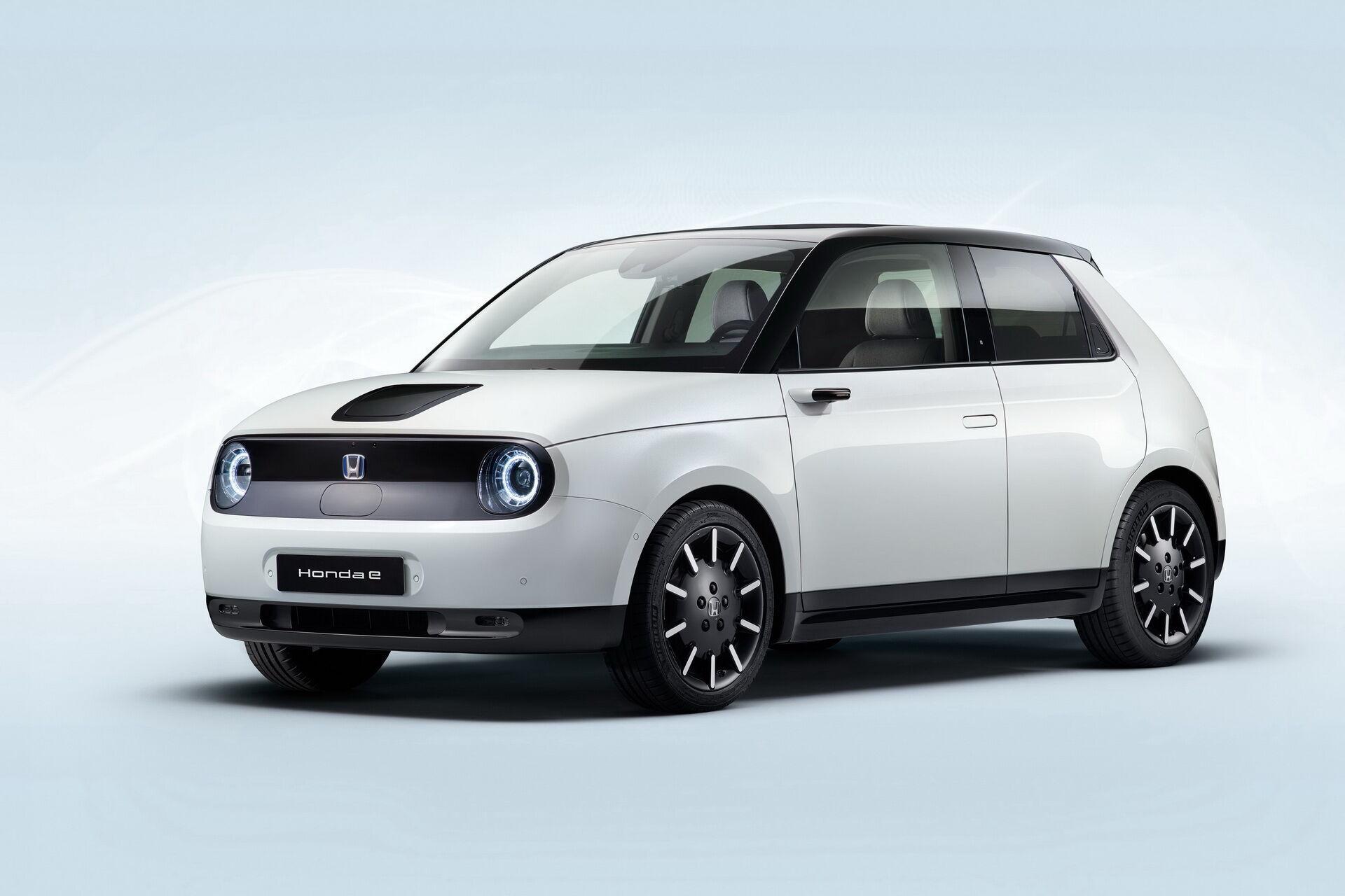 Приз за екологічність дістався японському електрокару Honda e.