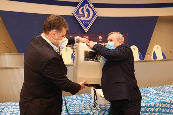 Динамо подарувало лiкарням концентратори