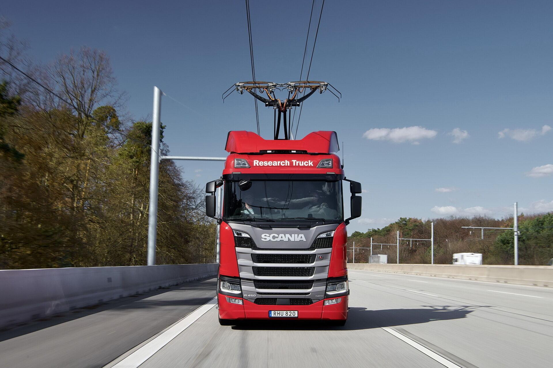 Дослідний електромобіль Scania R 450 4x2, створений у кооперації з компанією Siemens