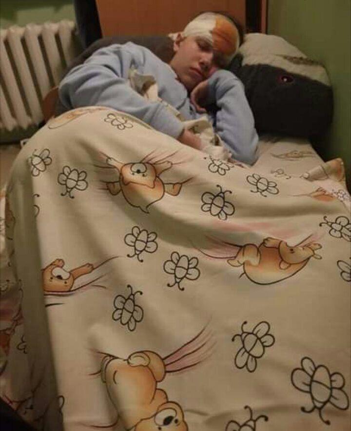 Постраждала Ліза зараз у лікарні.