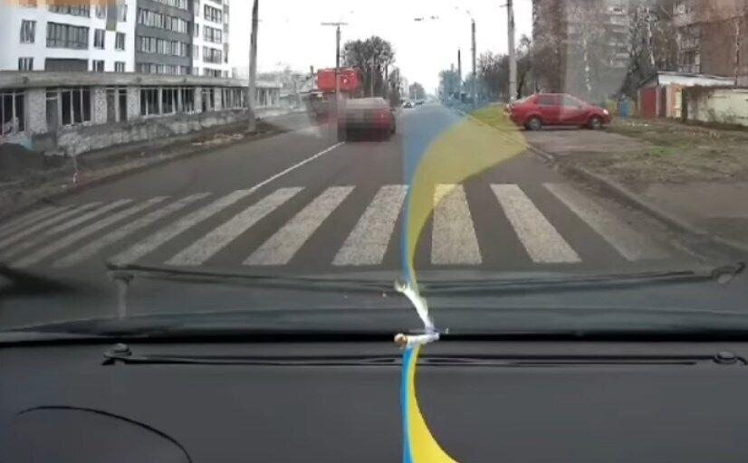 Авто не відразу зупинилося після зіткнення.