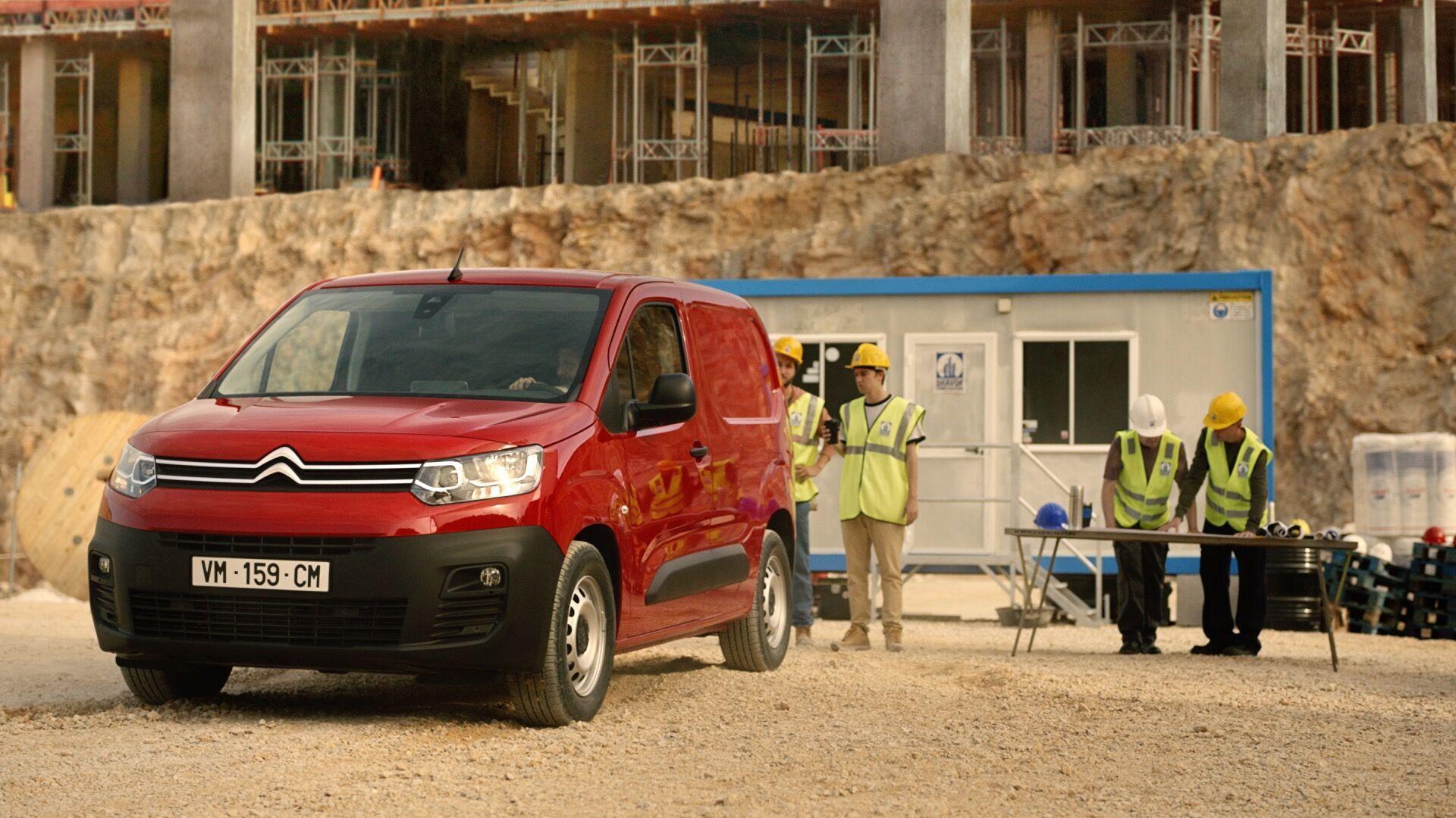 PSA готує сімейство популярних фургонів на електротязі, в яке увійдуть моделі чотирьох брендів: Citroen, Opel, Peugeot і Vauxhall