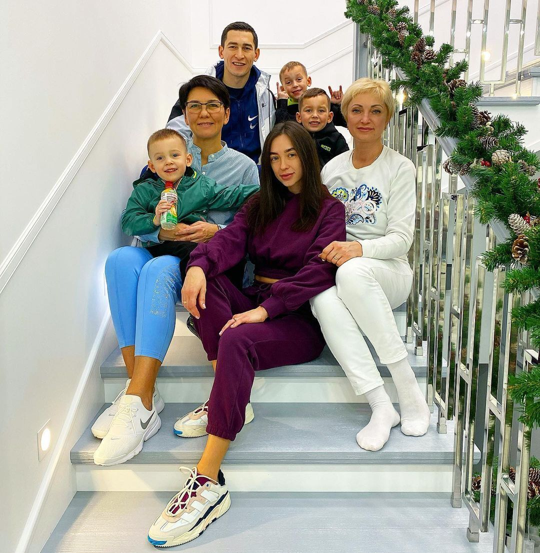Тарас Степаненко с семьей