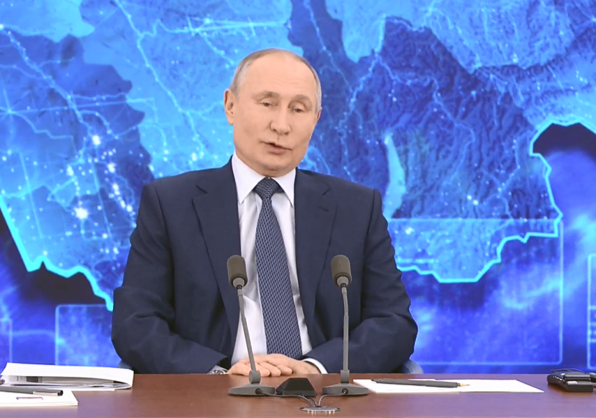 Перше питання Путіну поставили з Магадана.