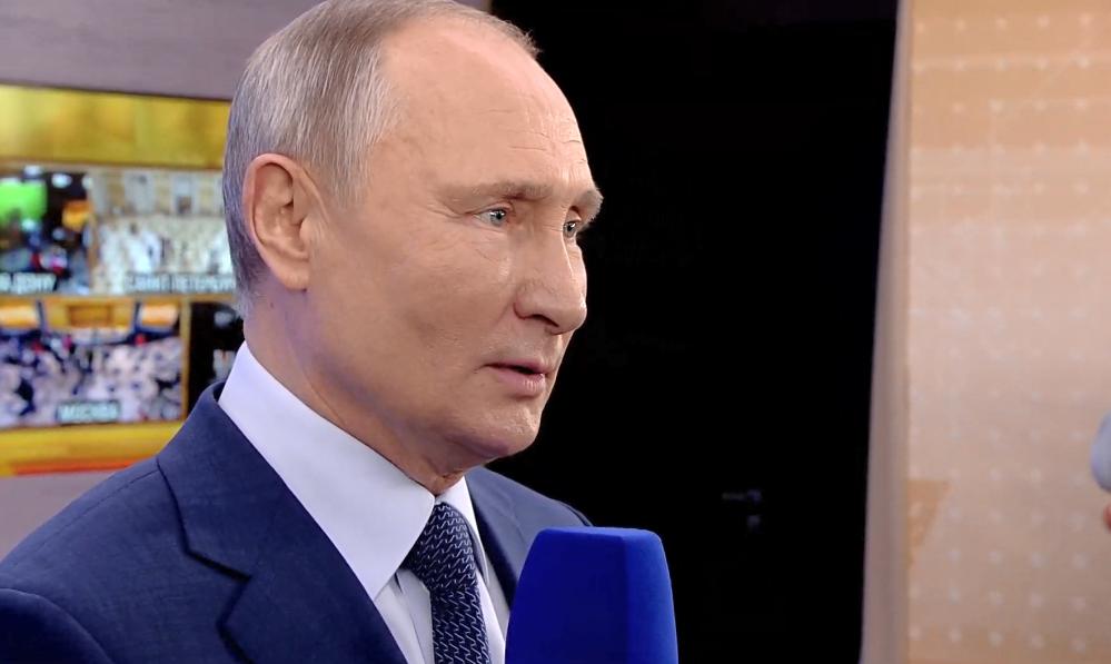 Володимира Путіна обурили санкції проти Криму.