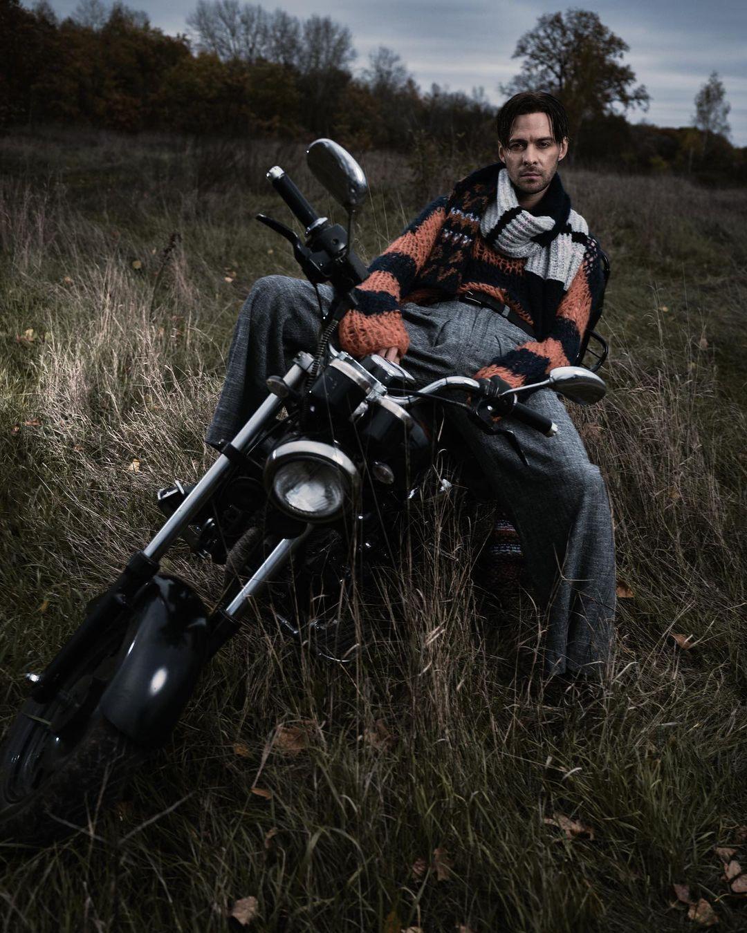 Макс Барских на фотосессии для журнала Playboy