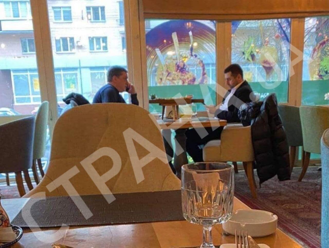 """Арахамию и Иванисова заметили в киевском ресторане """"Ишак""""."""