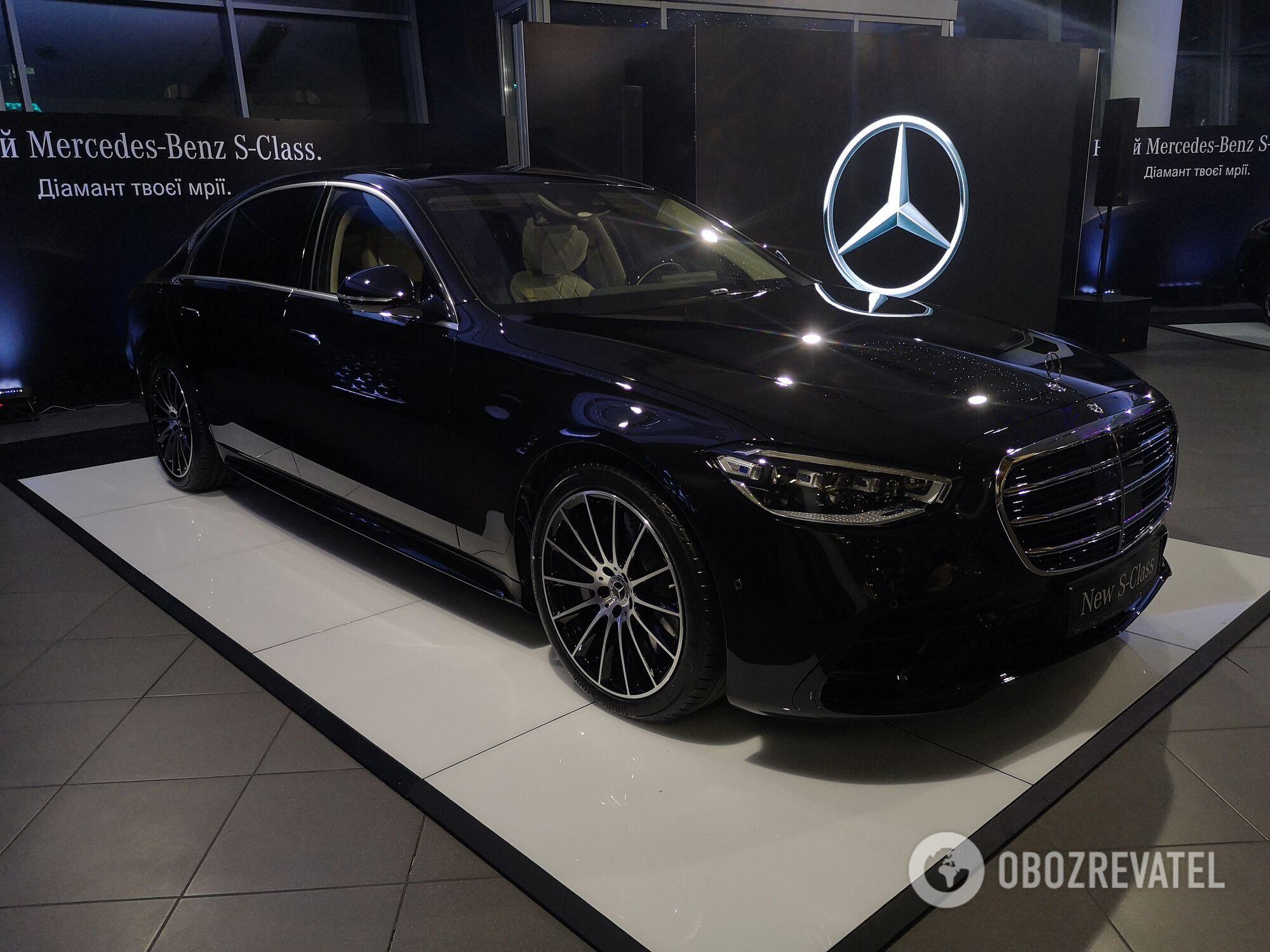 Внешний облик автомобиля выполнен в новом фирменном стиле немецкого бренда