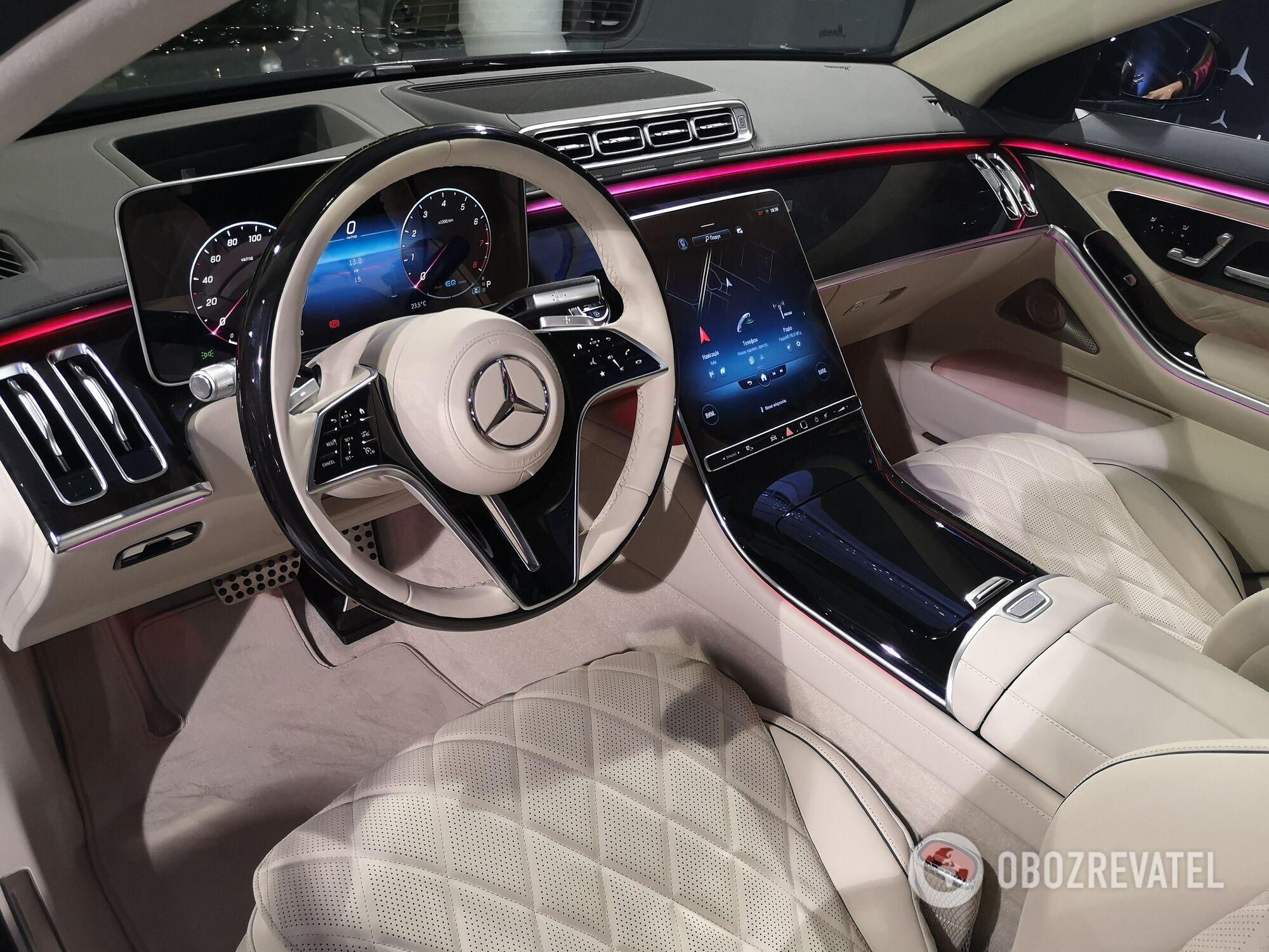 Оперативную информацию водителю предоставляет цифровая приборная панель с диагональю 12,3 дюйма