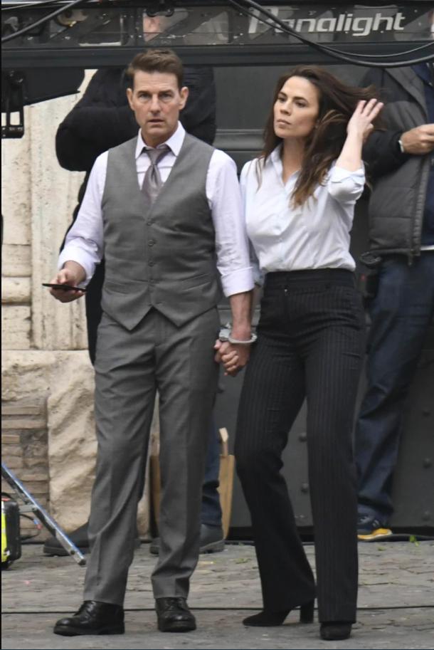"""Том Круз і Хейлі Етвелл на зйомках фільму """"Місія нездійсненна 7"""""""