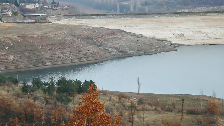 Ізобільненське водосховище до середини грудня суттєво обміліло.