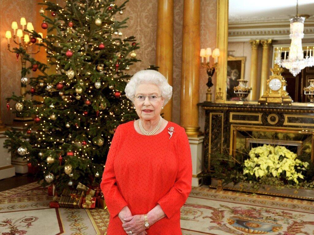 Єлизавета II та її чоловік принц Філіп змінять місце святкування Різдва