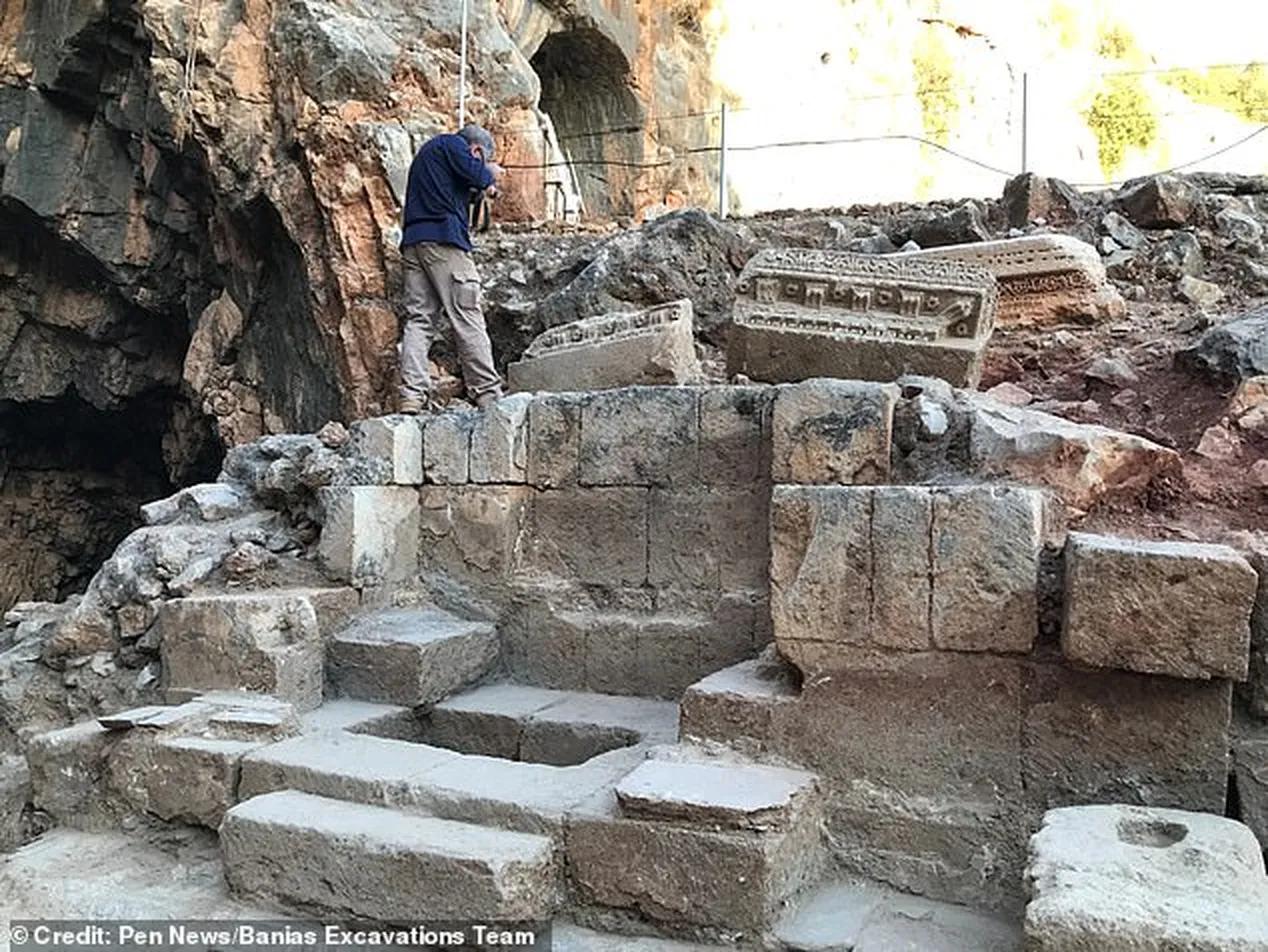 Храм, где Иисус исцелил женщину, страдающую от кровотечений