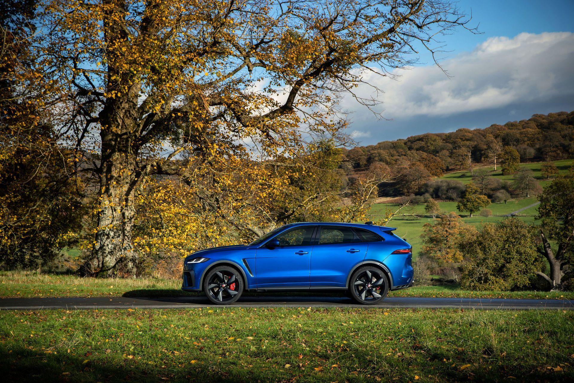 Максимальная скорость Jaguar F-Pace SVR достигает 286 км/ч