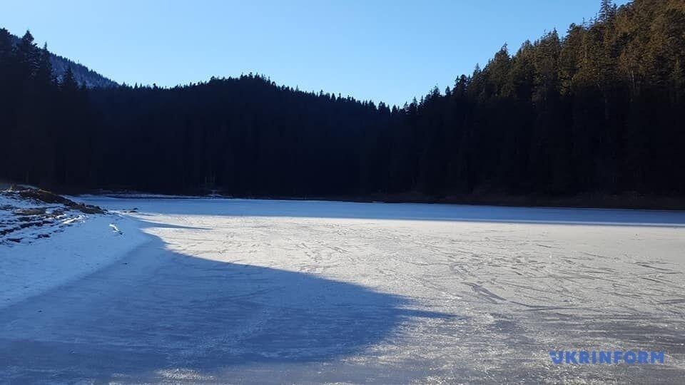 Сейчас озеро можно пройти вдоль и поперек