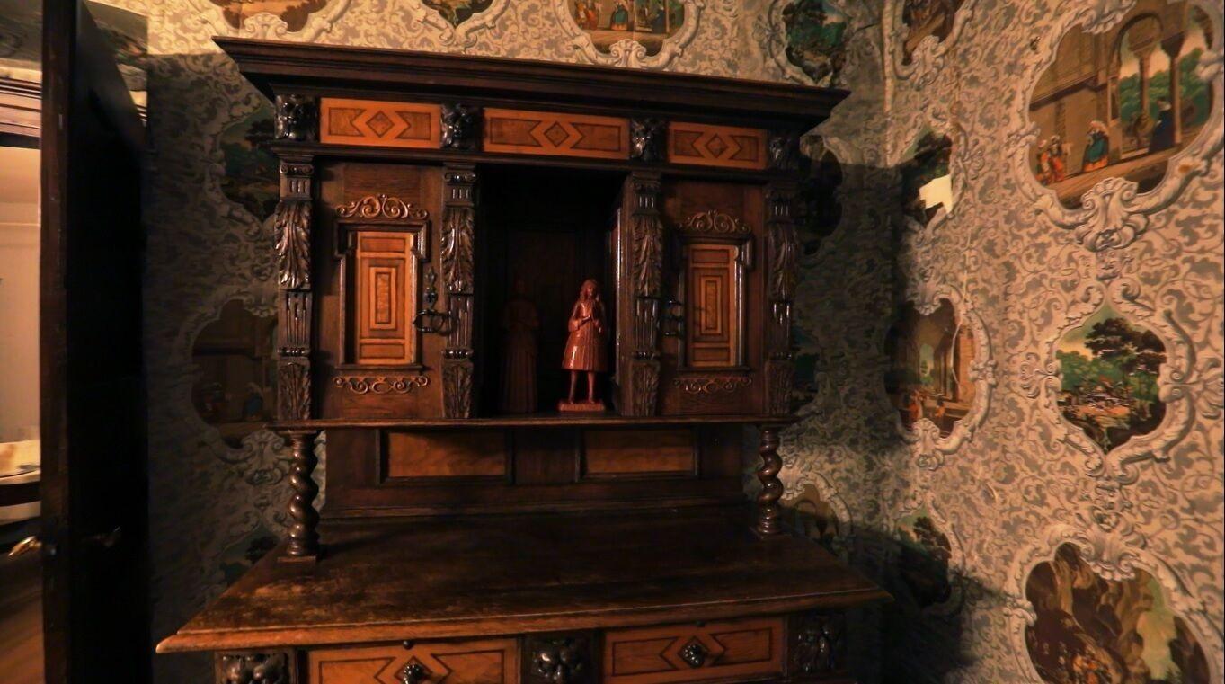 Як виглядає всередині замок Гопферау.