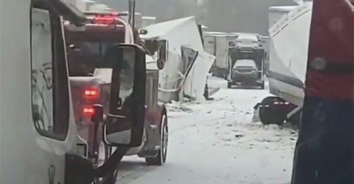 В аварію потрапило 55 вантажівок і ще 11 легковиків