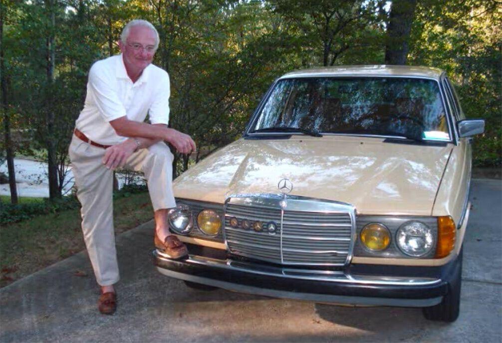 Мерседес Пола Харман не просто зберігався в гаражі. На ньому він їздив навіть на Аляску, де погані дороги і суворі кліматичні умови
