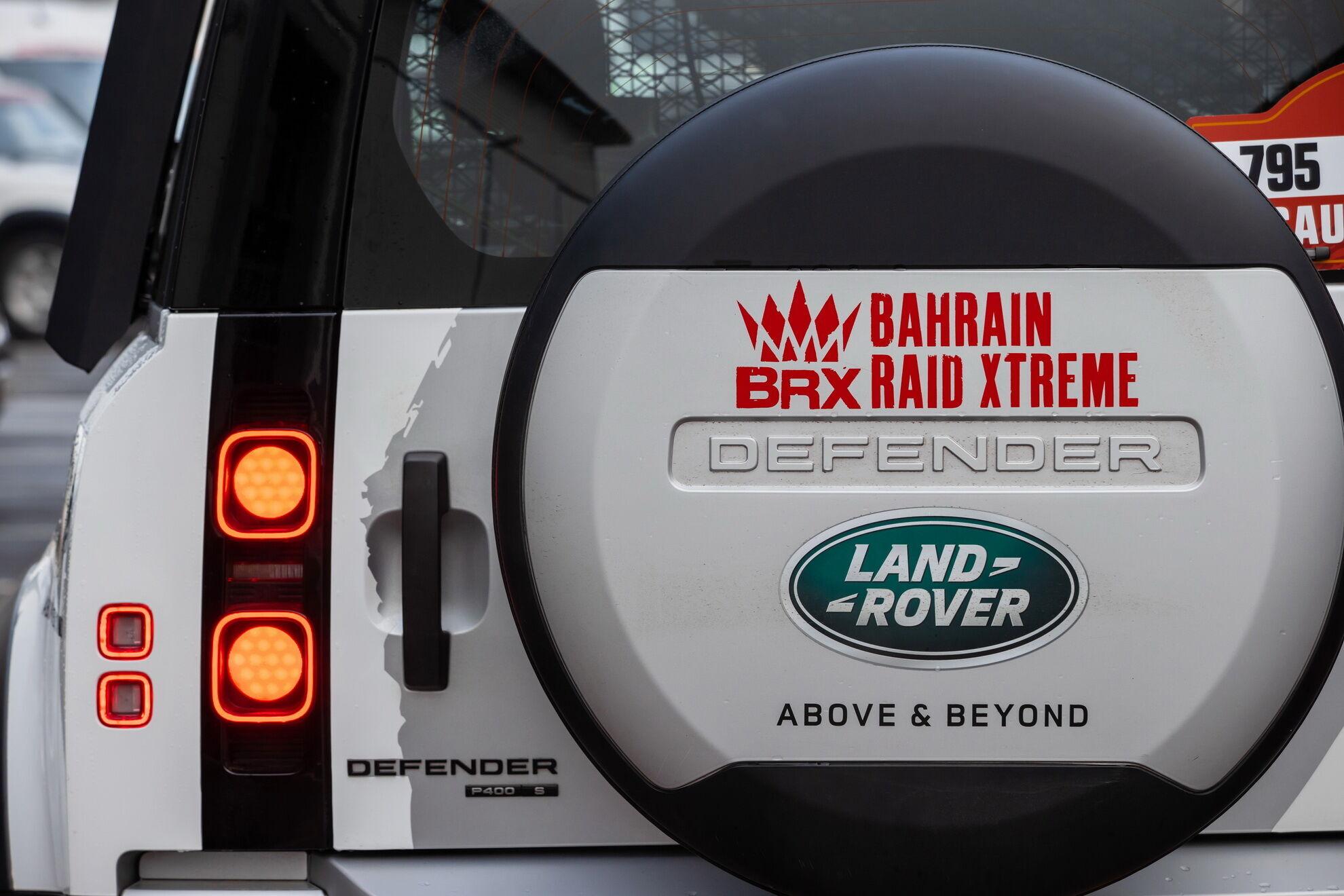 Land Rover Defender 110 P400 для поддержки команды BRX