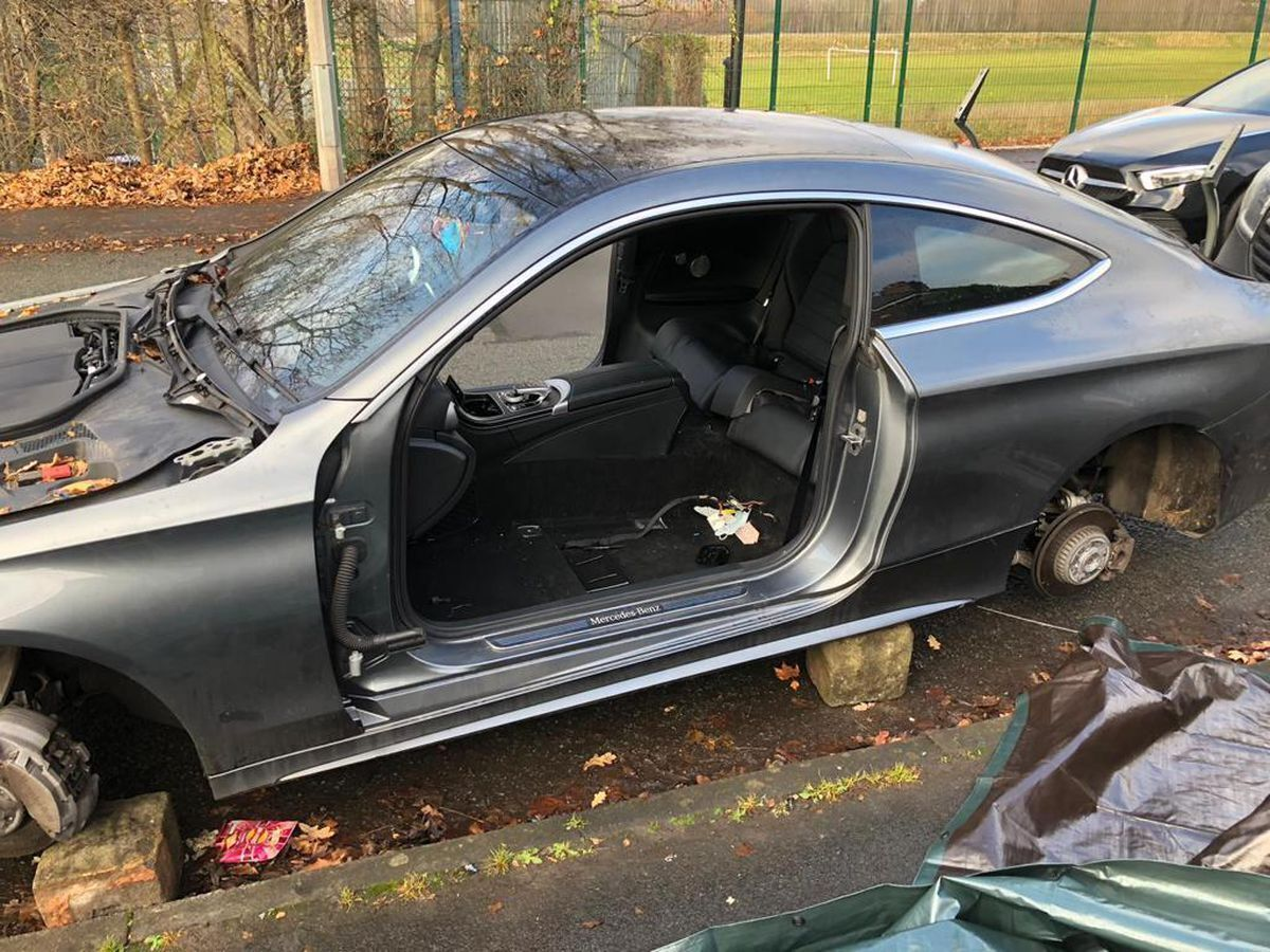 Ось як виглядає Mercedes Benz C-Class, розібраний професійними злодіями