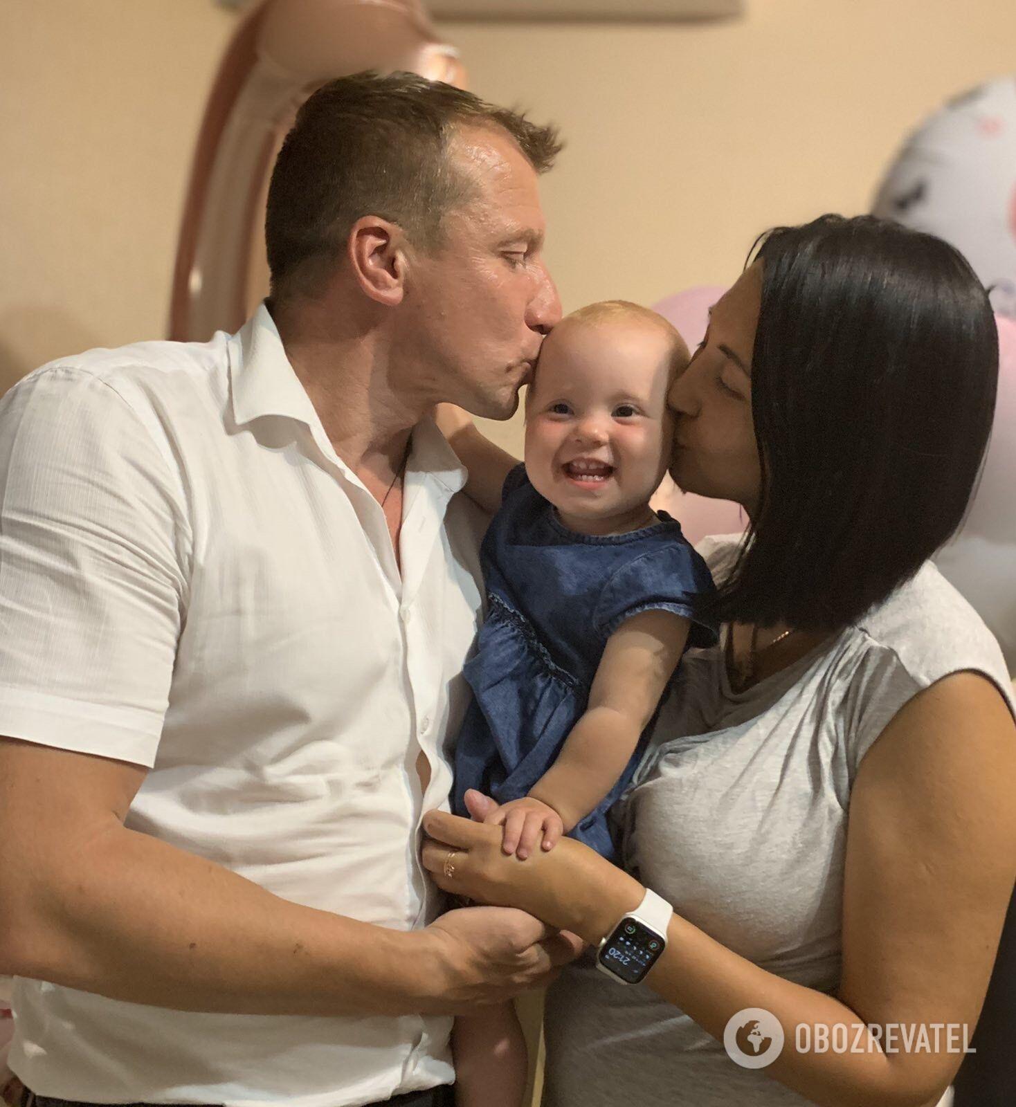 Евгения Коротенко и Игорь Ляшенко с дочкой Женечкой