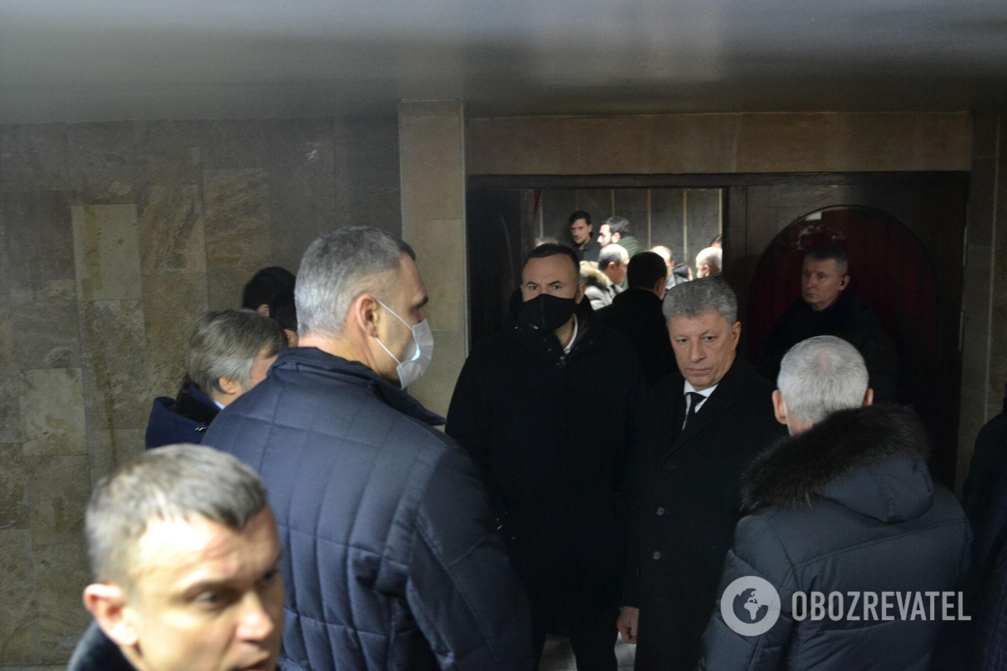 Юрій Бойко на прощанні з мером Харкова